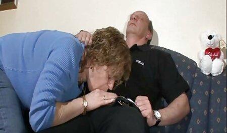 Dơ bẩn người Pháp redhead cứng nắm tay xem sec loan luan me con DP anlyed với Hãy 2 miệng