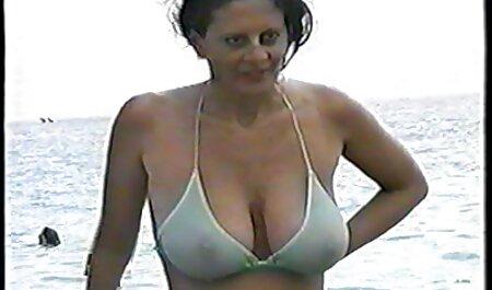 Lesbian ướt có ba người phim sec hai me con dit nhau trong những vòi hoa sen FULL