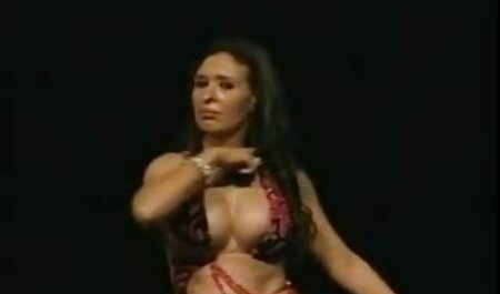 Brunette phong cách trong bắt một nhảy Xuất xem phim sec loan luan me va con trai tinh